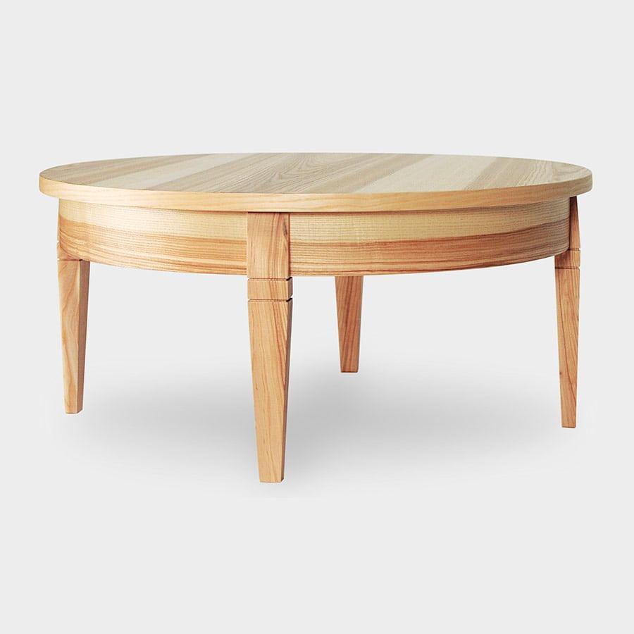stol kofejnyj iz yasenya